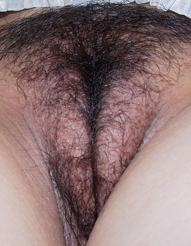 Piernas exquisitas de hembra con rico micro short de puta - 2 part 4