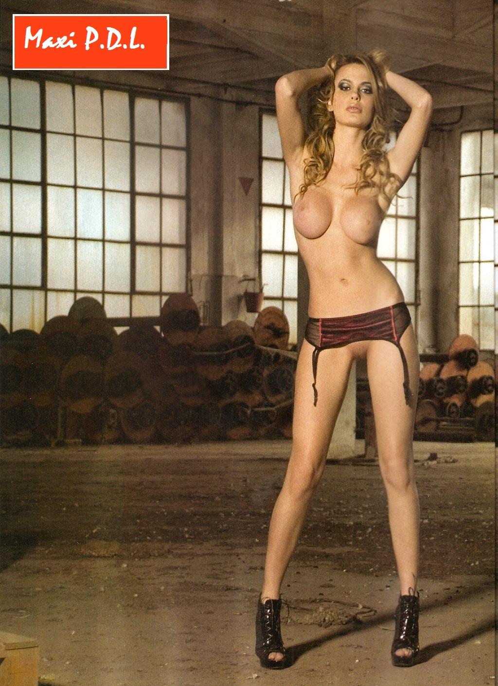 Alejandra Maglietti. Sesion fotos hot.