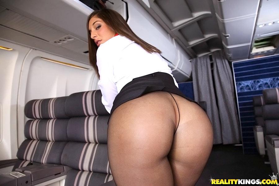 Çocukla uçak yolculuğu için ipuçları  guncelannecom