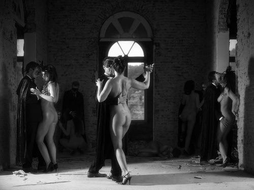 фото голых танцы