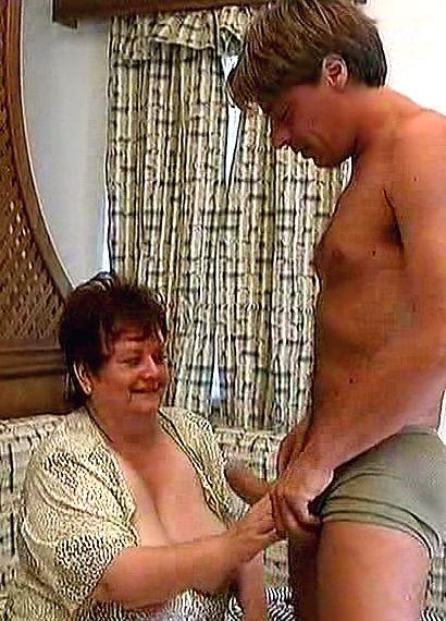 Miranda loves hot fast sex in the living room