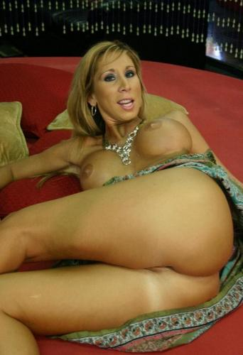 Morgan is a horny milf with nice