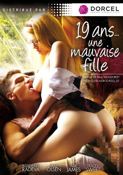 19 Ans...Une Mauvaise Fille (2014)