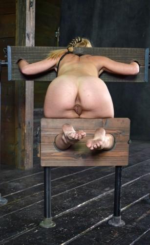 Brustwarzenspiele