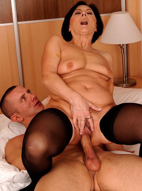 zreluyu-prostitutku