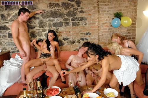 Bisexual Orgy Party 101