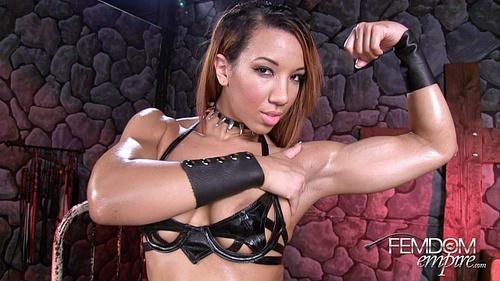Female Bodybuilders Who Spank