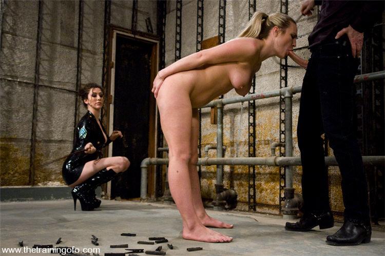 рабыня на поводке порно фильм