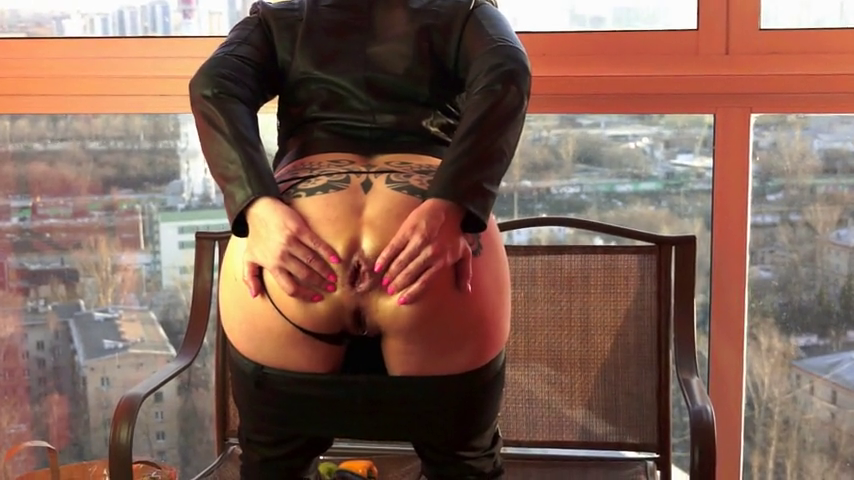 Bella Pepper Amazing Vegetable Anal insertions