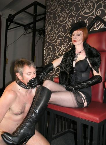 Vintage Mistress Worship