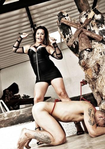 Travesti Patricia Bysmark E Seu Escravo Sexual