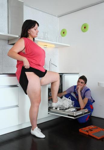 Doing that sexy dishwasher guy