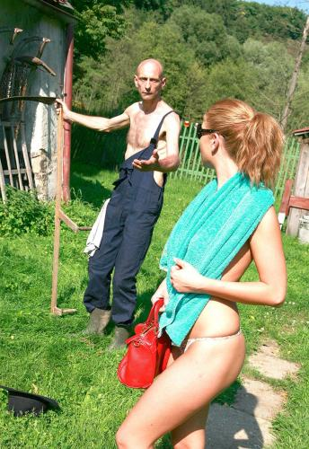 Nude sunbathing in the country goes wrong