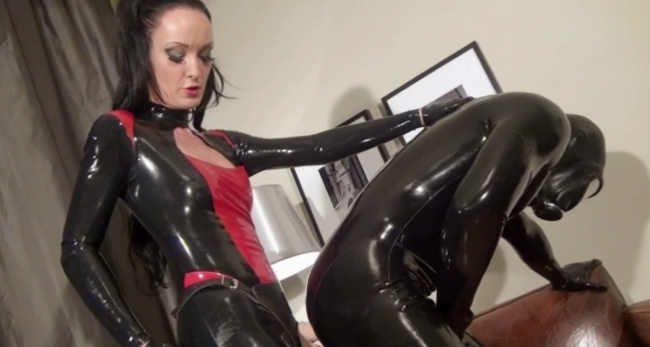 latex strapon sexiga outfits