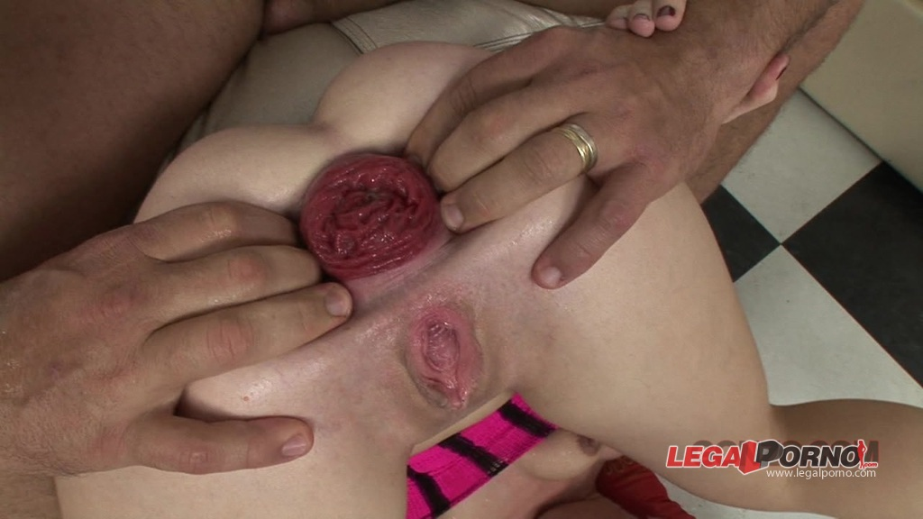 [LegalPorno] Giorgio Grandi Exclusive #135 Isabella Clark double anal threesome, anal fisting and anal prolapse