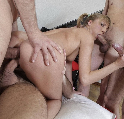 Xenia : Gang Bang with Multiple Creampiee [GapeParade/XFreaX] (HD)