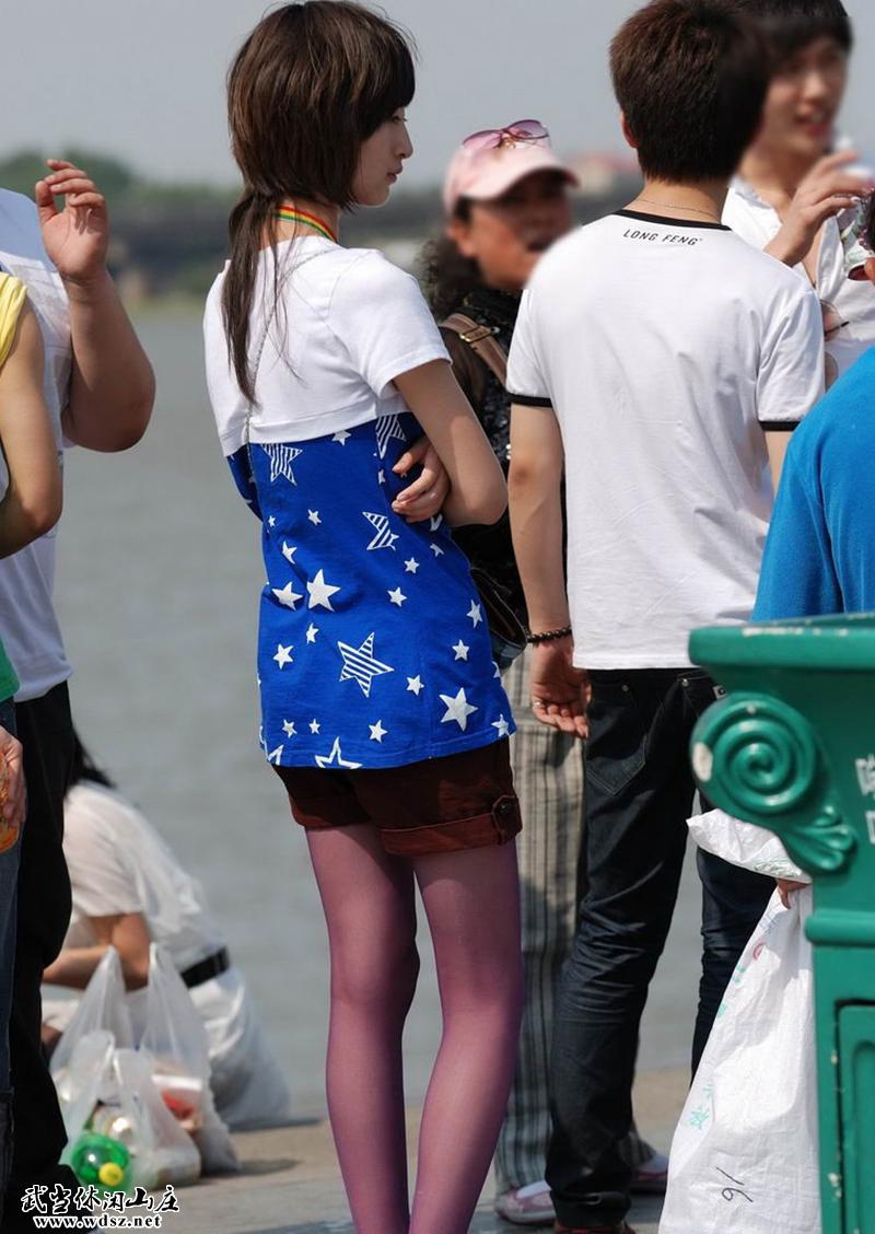 街拍美女们的极品各色丝袜一