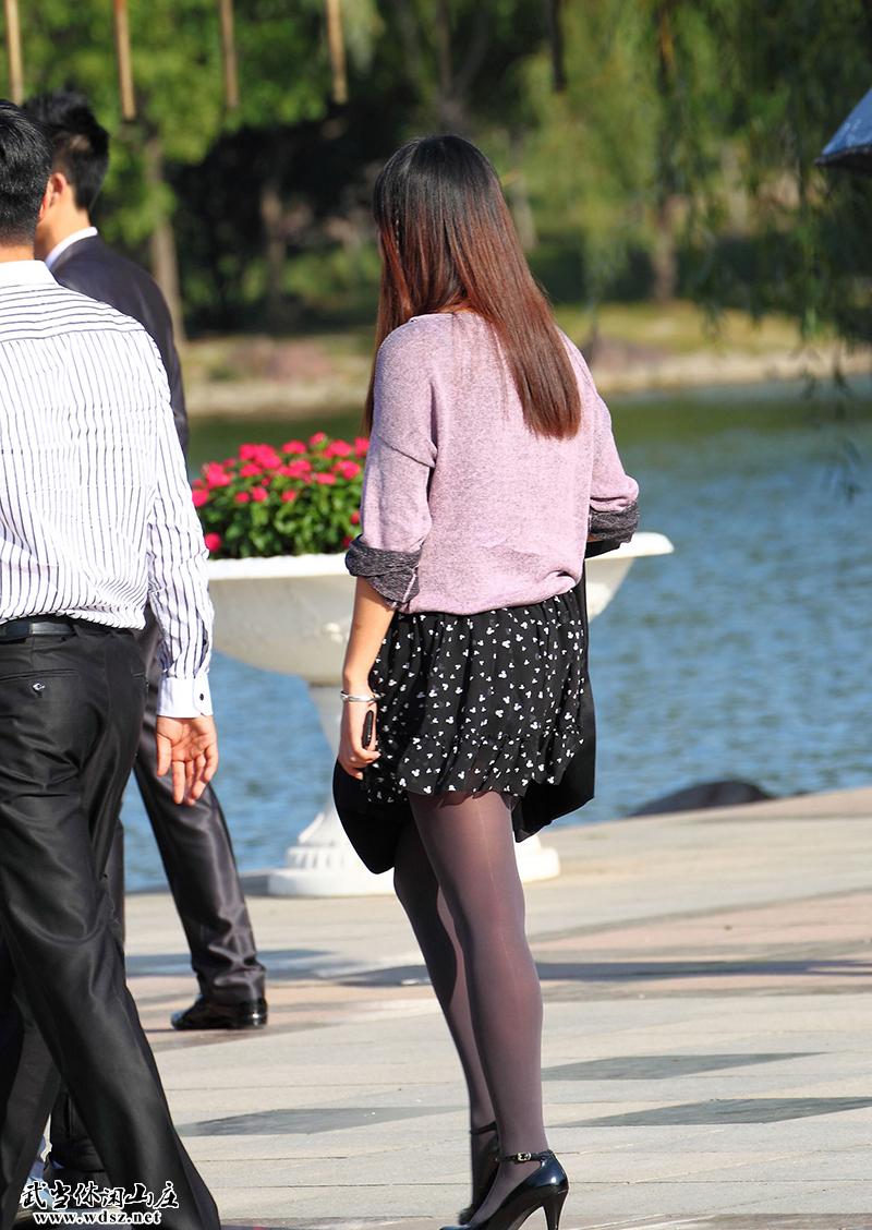 街拍美女们的极品各色丝袜三|魅力街拍