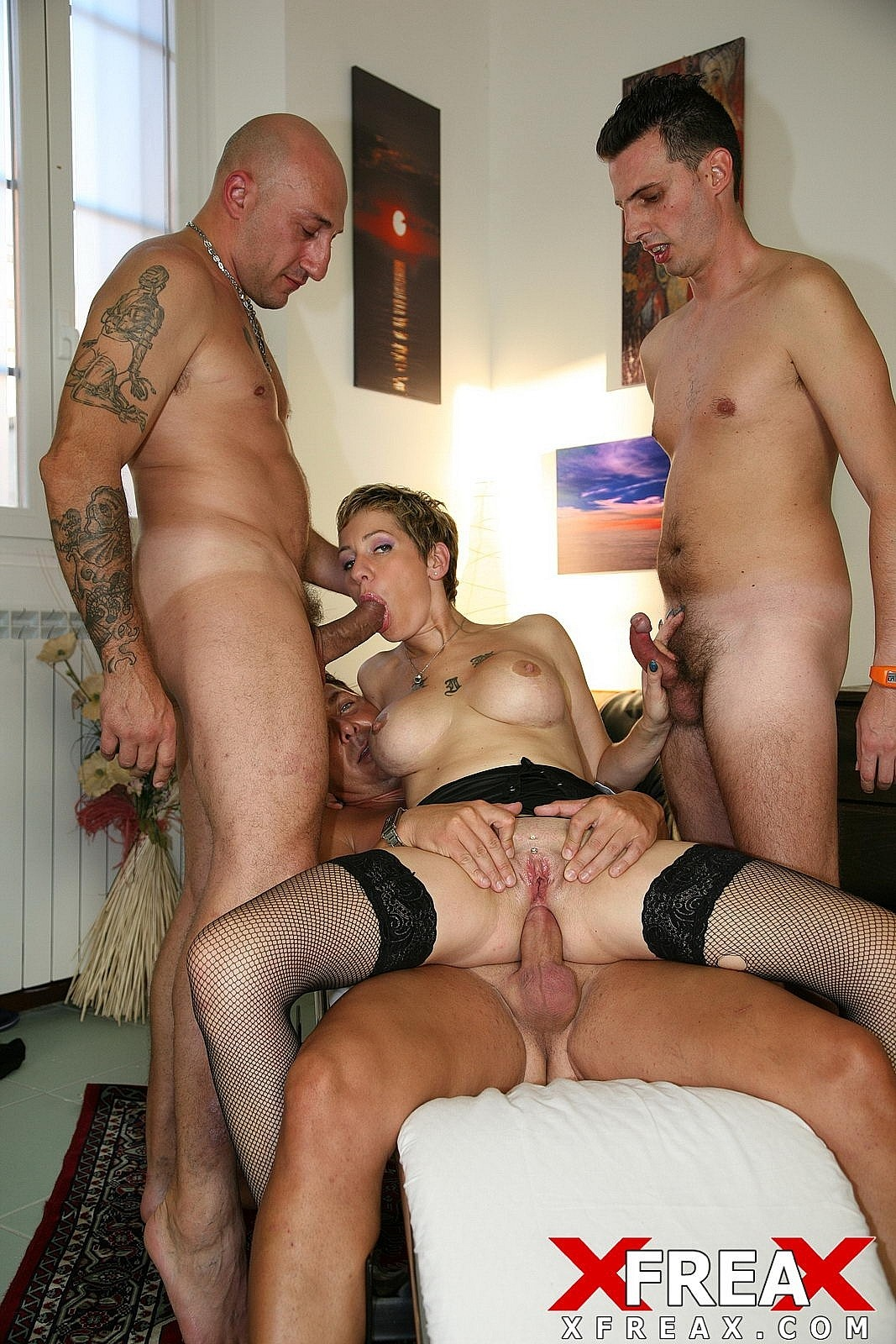 Download [EuroGangBangs] Gang Bang for Giada da Vinci