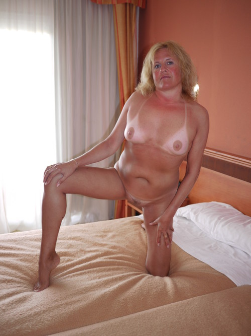 Stacked milf wives