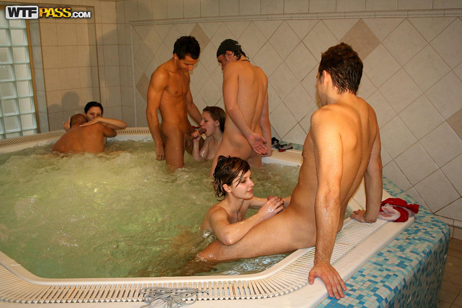 Студенты в бане руское порно 17 фотография