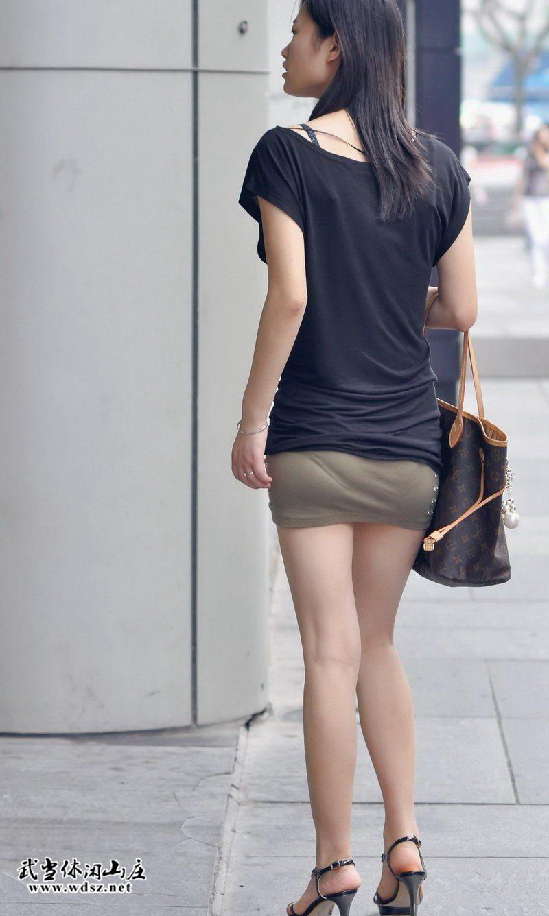 街拍短裙高跟凉鞋美腿美女 魅力街拍