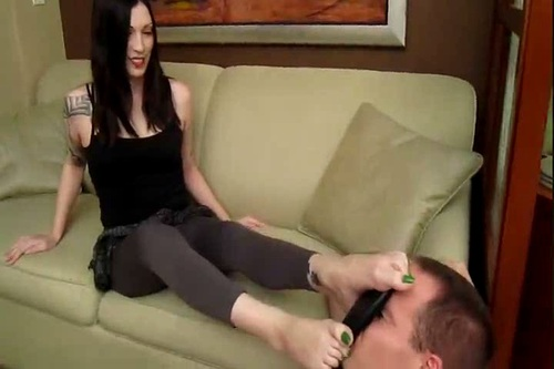 Overcome By Siouxs Foot Stink Female Domination
