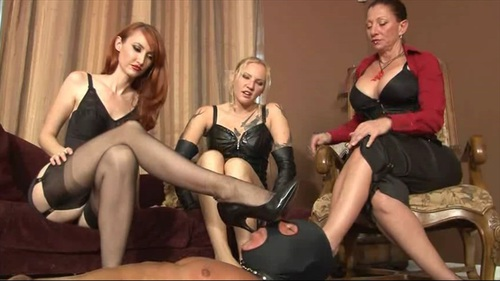 Kendra Coral Venus Foot Worship Female Domination
