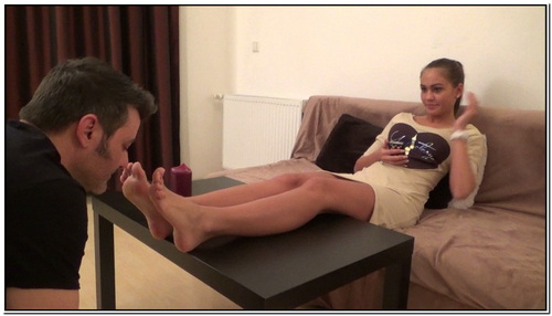 Thalia Foot Worship Female Domination