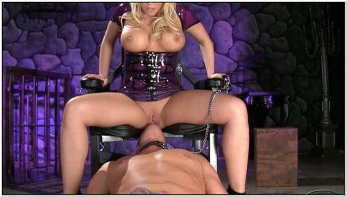 Queening Her Slave Female Domination