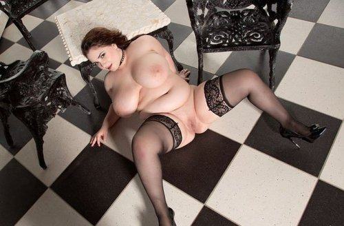 XL Girls � Lavina Dream � The Big Terrace Of Miss Dream