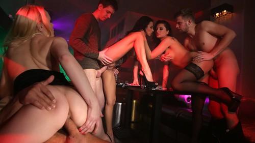 Секс в клубе смотреть фото бесплатно