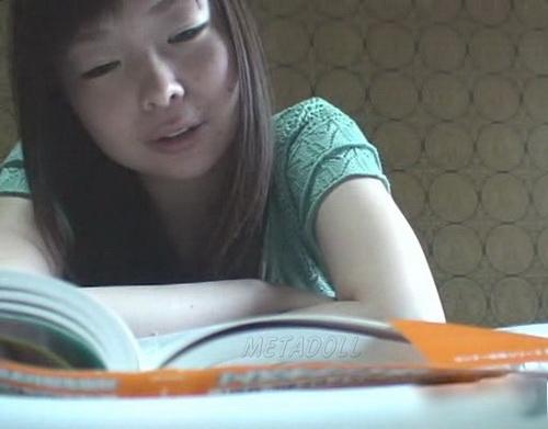 [Image: GirlPooVoyDKUS-01_1kb.jpg]