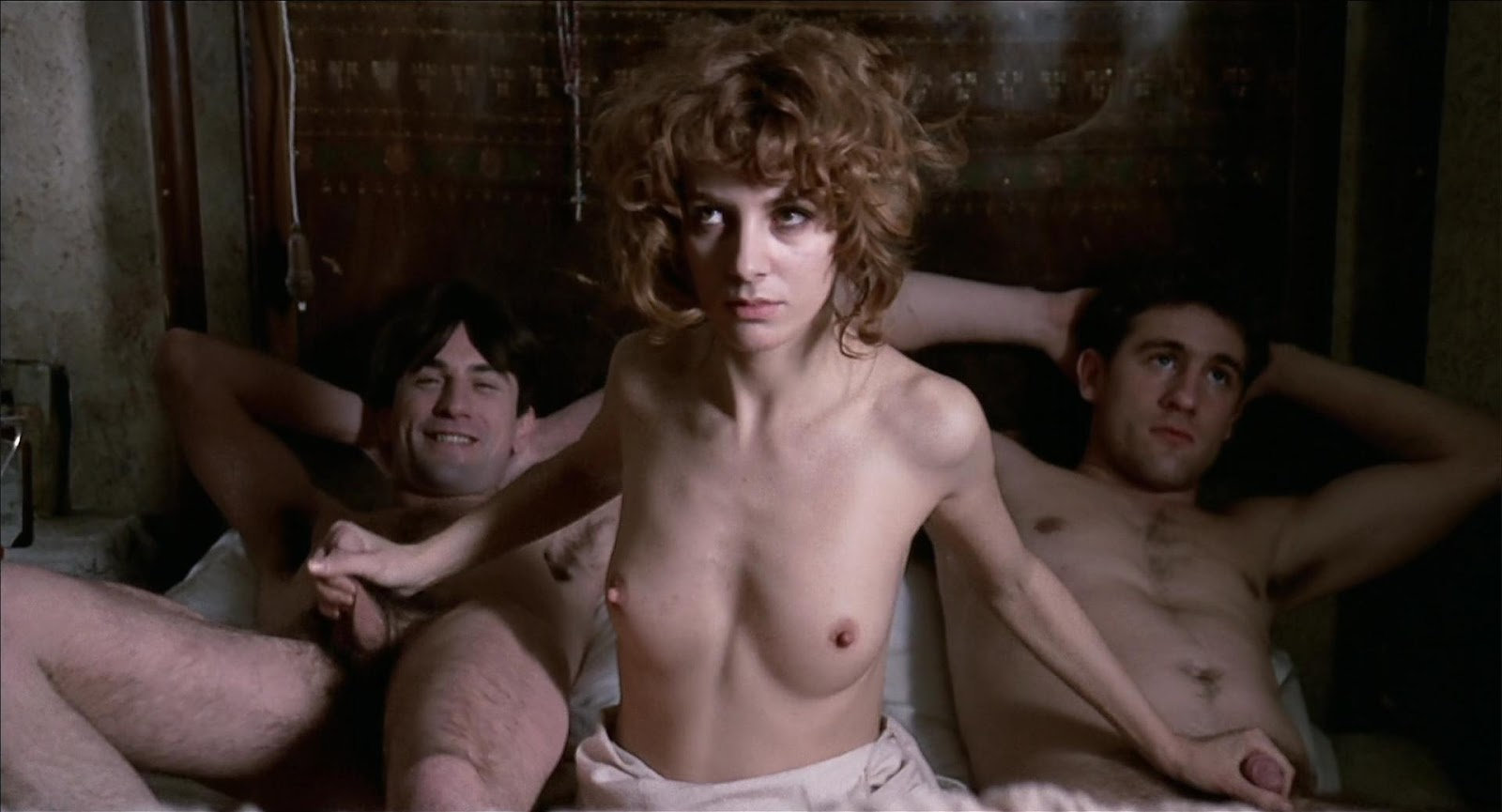 Сели смотреть художественные фильмы про секс оказался умелым