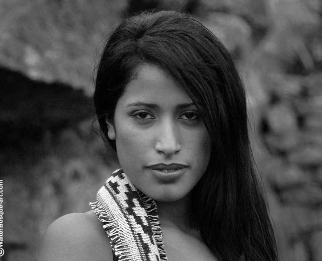 India bella mezcla de diosa y pantera !