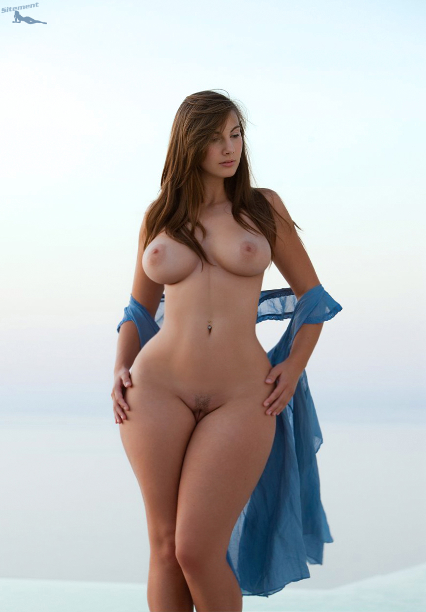 beautiful women with wide hips porn