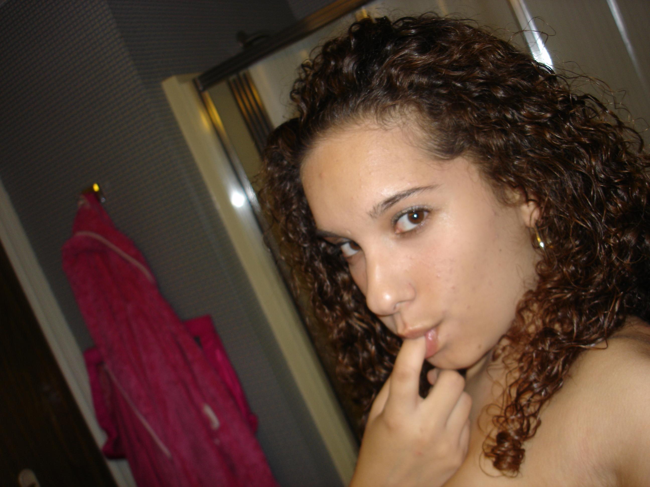 Fotos de la conchita de mi hermanita[19 años] (0 puntos)