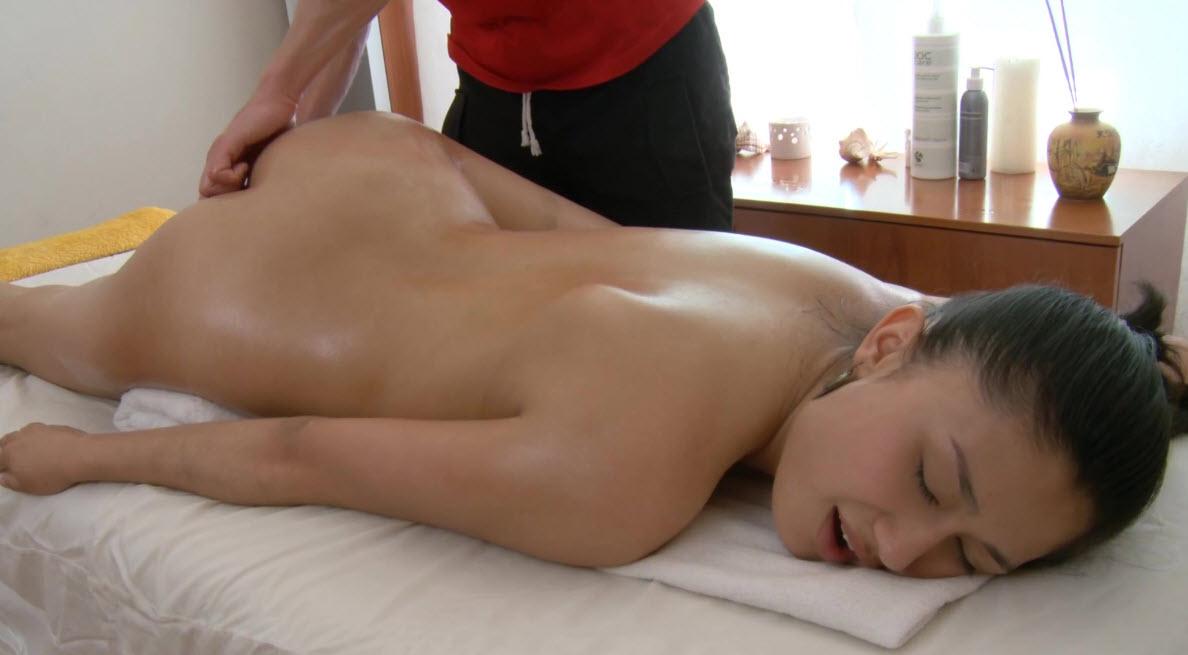 Смотреть порно на массаже в россии онлайн 3 фотография