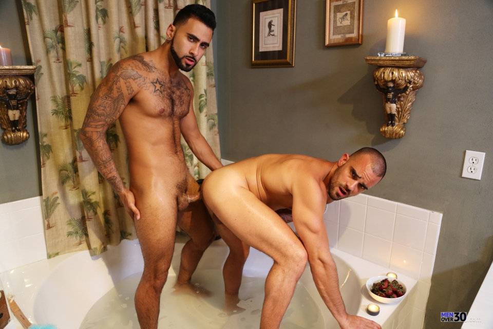Upload Gay Video 76