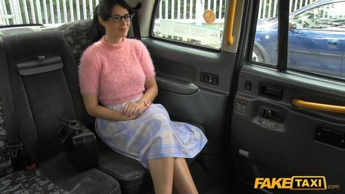 скачать фото фейк такси