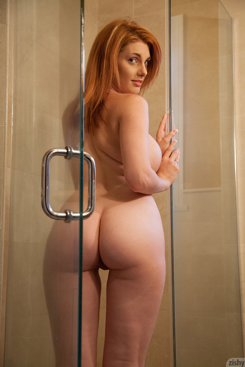 image Rainia belle has a big ass and red hair huuu