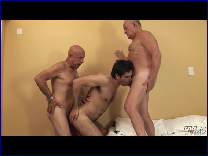 older4me gay daddy Search - XVIDEOSCOM