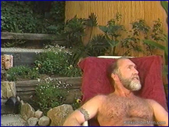 KinkyOlderMen - Kinky Bear Gets Visited