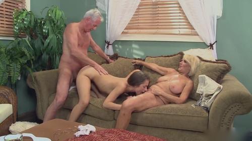 порно две девушки увидели старика с метлой человек думает по-своему