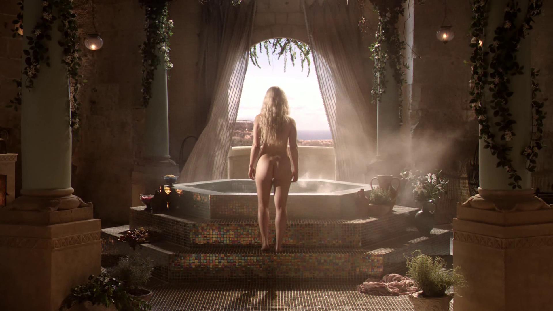 Emilia clarke nude scenes