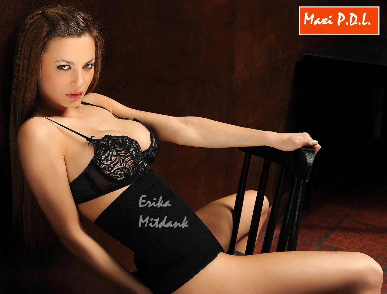 Erika Midtank. Que nenita te perdiste Fort