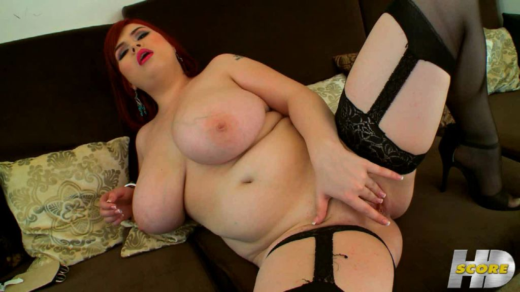 Bbw roxanne miller playing with her huge tits pichunter
