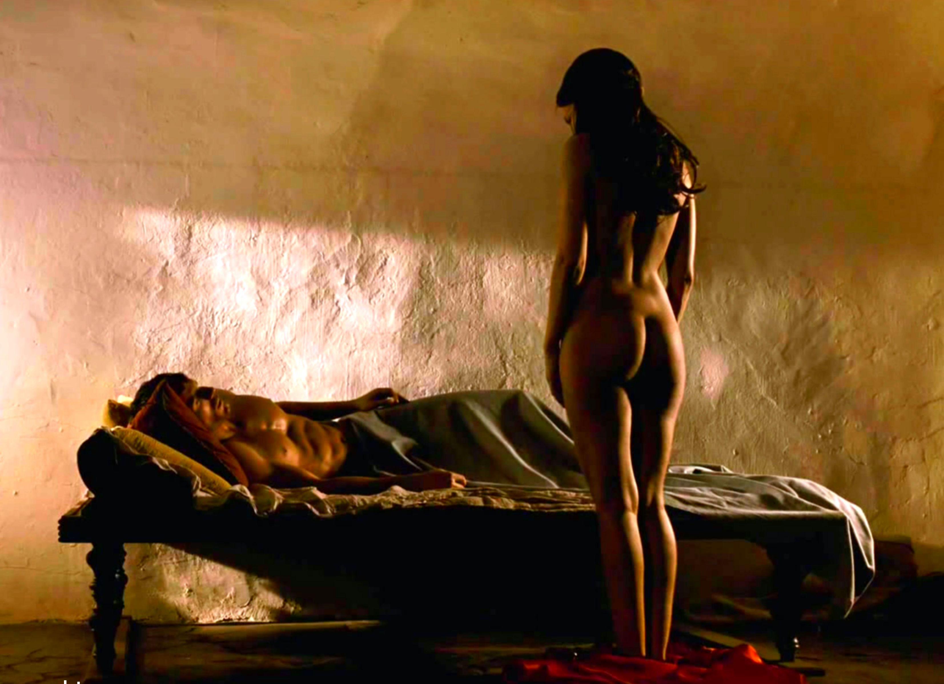 Frieda Pinto Nude Photos