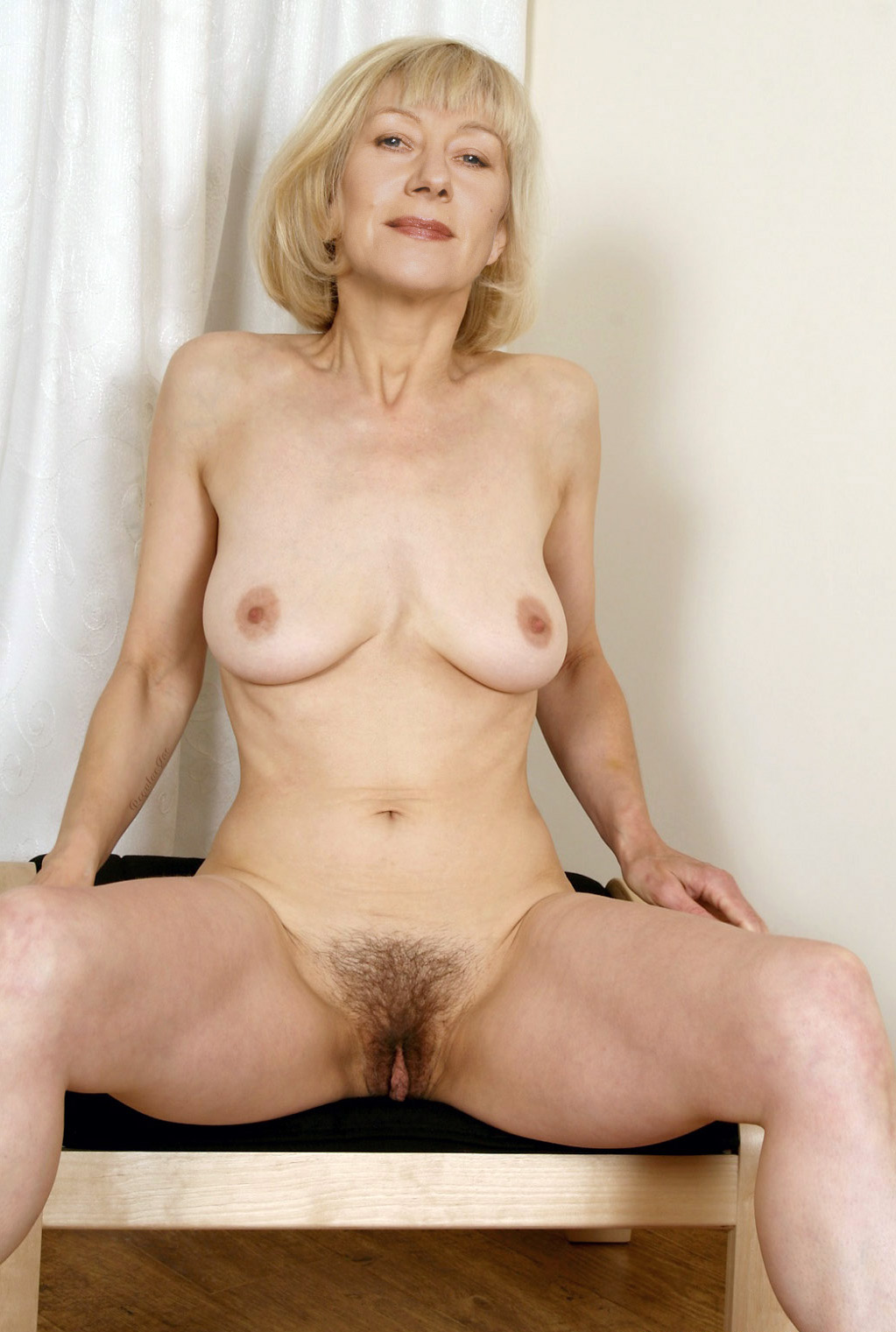 Helen mirren exposing her big tits her nice ass and her pussy in nude picture caps