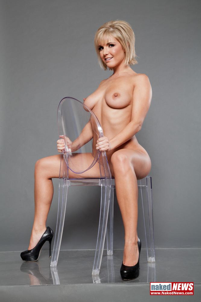Melissa Rauch Nude Photos